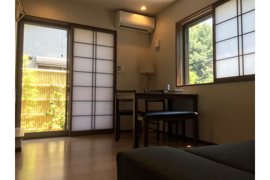 2LDK House to Rent in Kyoto-shi Yamashina-ku Interior