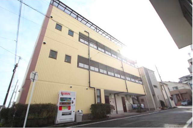 Whole Building Apartment to Buy in Yokohama-shi Kanagawa-ku Exterior