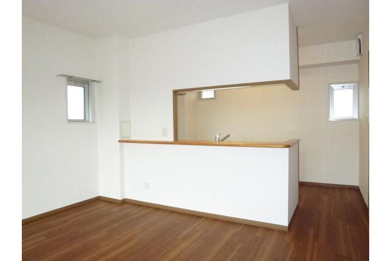 4LDK Apartment to Rent in Yokohama-shi Totsuka-ku Western Room