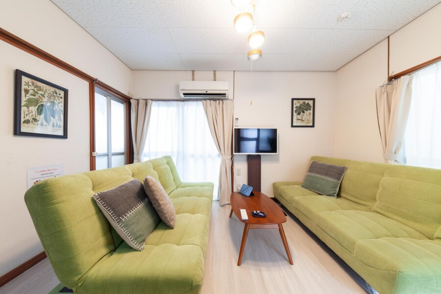 2DK House to Rent in Shibuya-ku Living Room