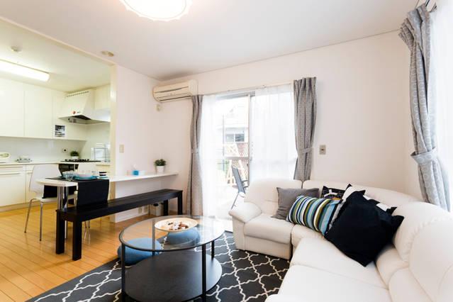 在大田區內租賃5LDK 獨棟住宅 的房產 起居室