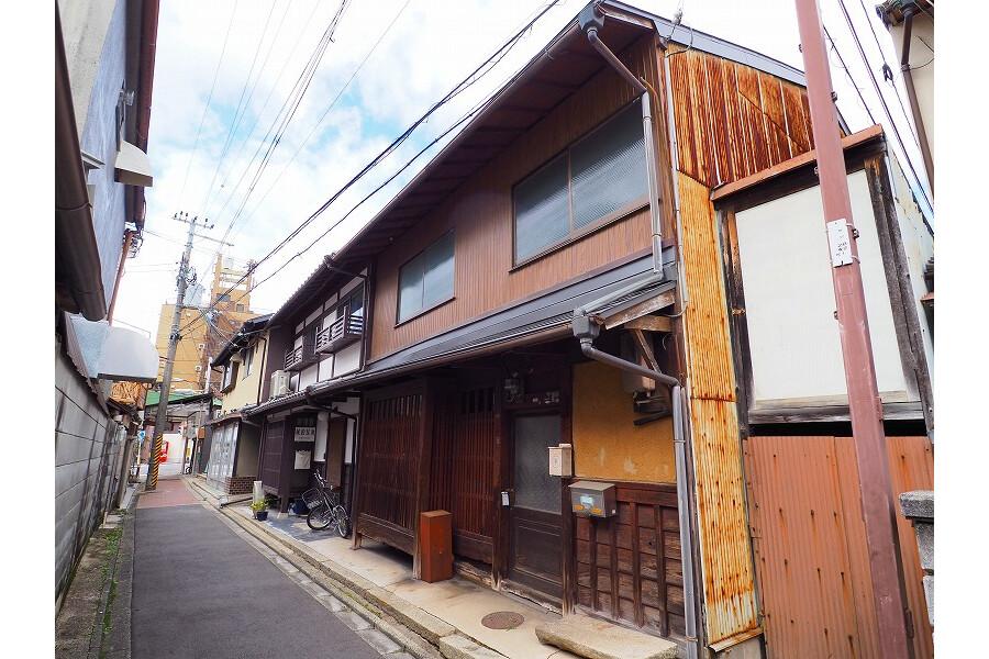6DK House to Buy in Kyoto-shi Kamigyo-ku Exterior