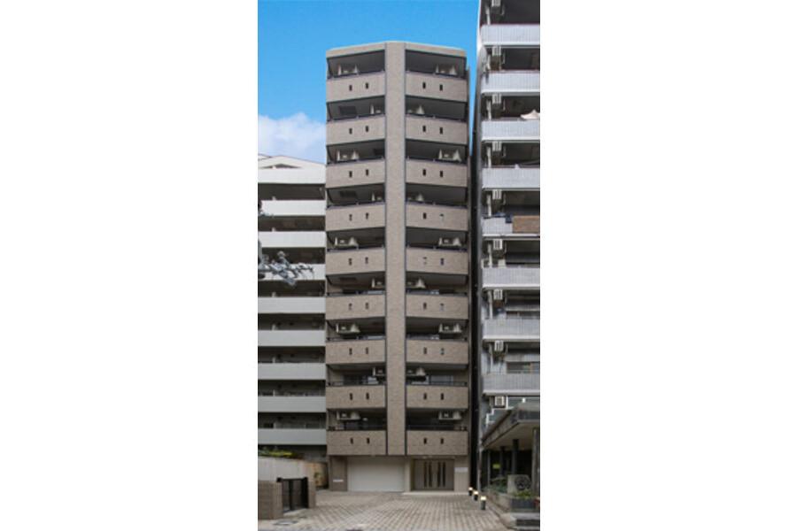 1K Apartment to Rent in Osaka-shi Chuo-ku Exterior