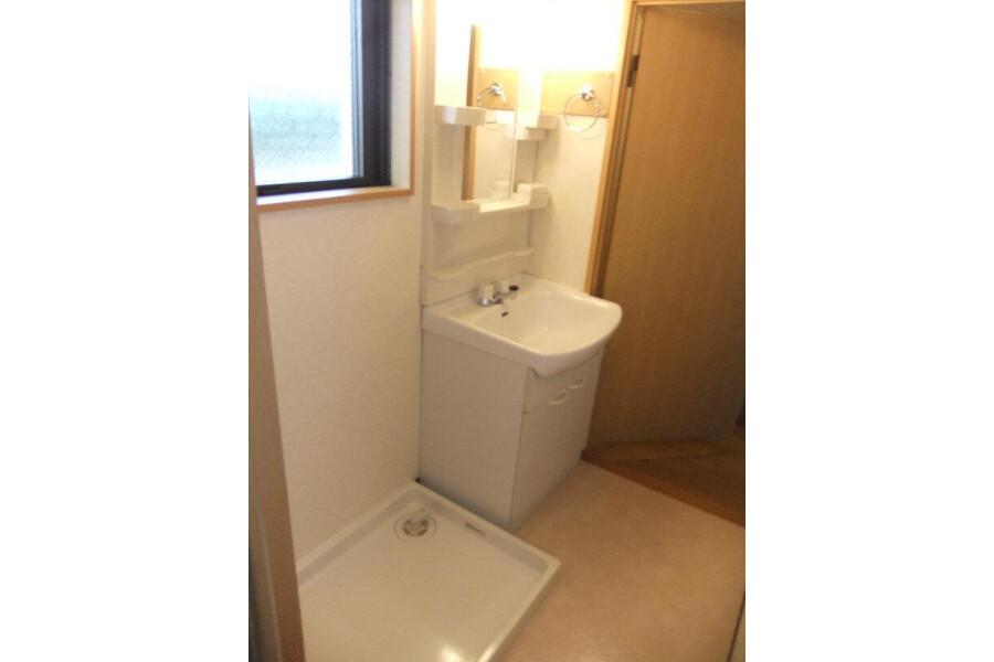 2DK Apartment to Rent in Yokohama-shi Tsurumi-ku Interior
