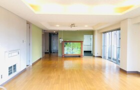 4LDK Apartment in Kitanocho - Kobe-shi Chuo-ku