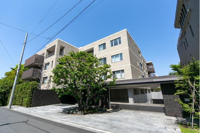 4SLDK Apartment to Rent in Minato-ku Exterior