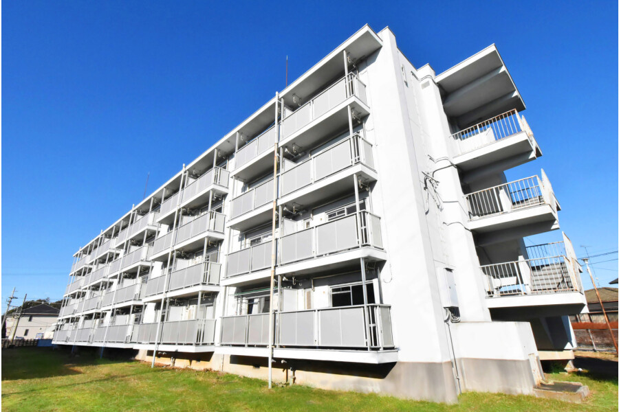 2K Apartment to Rent in Shimotsuga-gun Mibu-machi Exterior