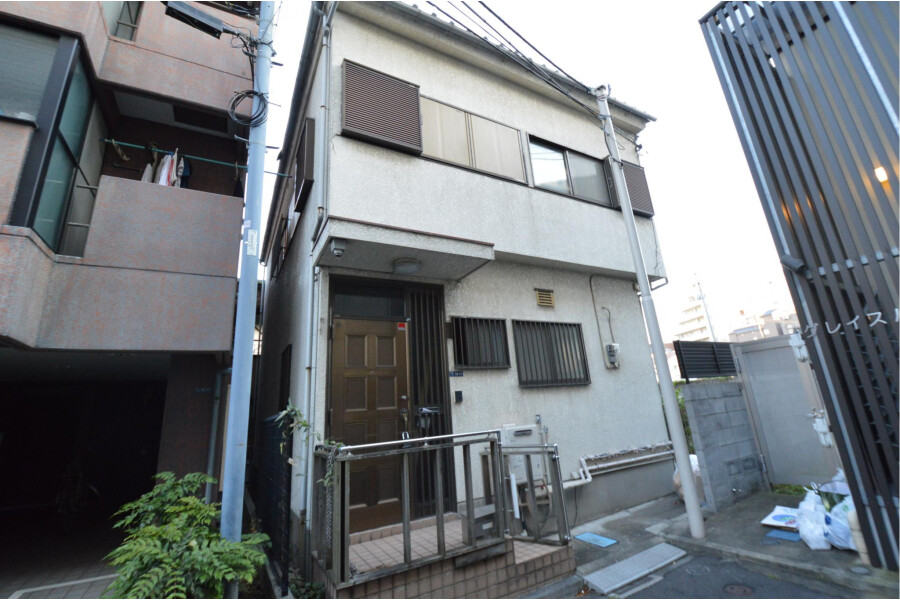 Shared House to Rent in Shinjuku-ku Exterior