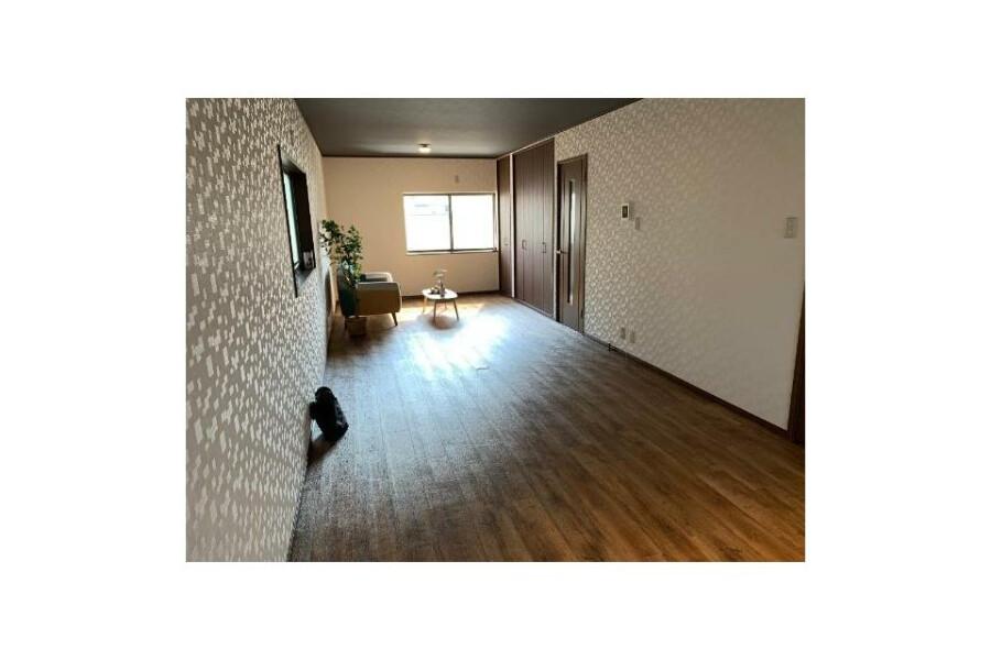 4LDK House to Buy in Osaka-shi Nishiyodogawa-ku Living Room