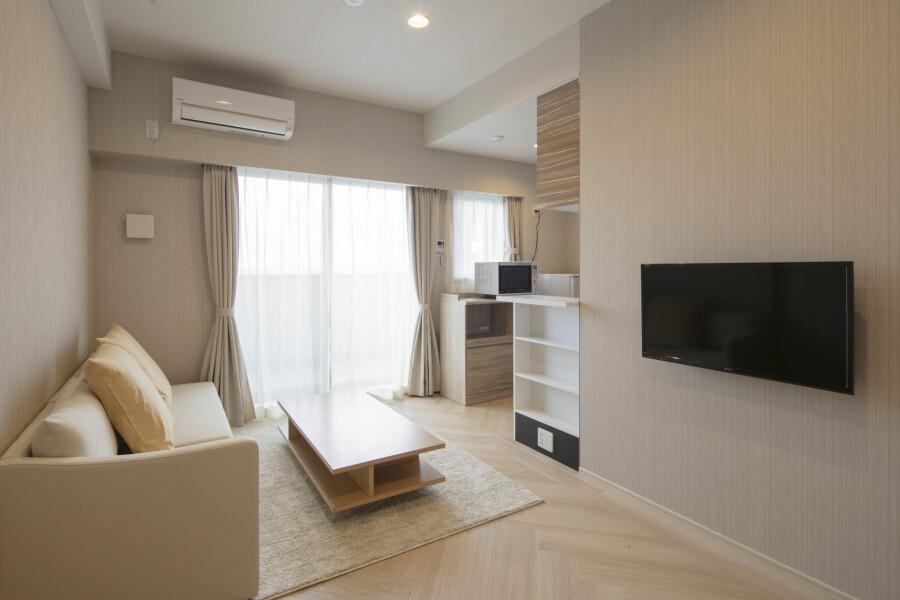 2LDK Apartment to Rent in Osaka-shi Naniwa-ku Living Room