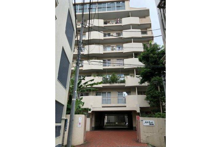 3LDK Apartment to Rent in Shibuya-ku Exterior
