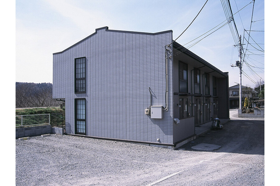 2DK Apartment to Rent in Akishima-shi Exterior