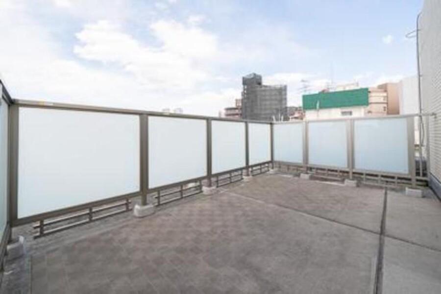 3LDK Apartment to Rent in Shinagawa-ku Balcony / Veranda
