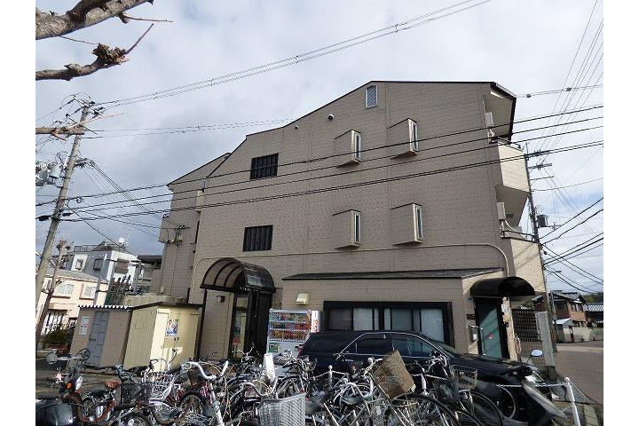 1K Apartment to Rent in Ibaraki-shi Exterior