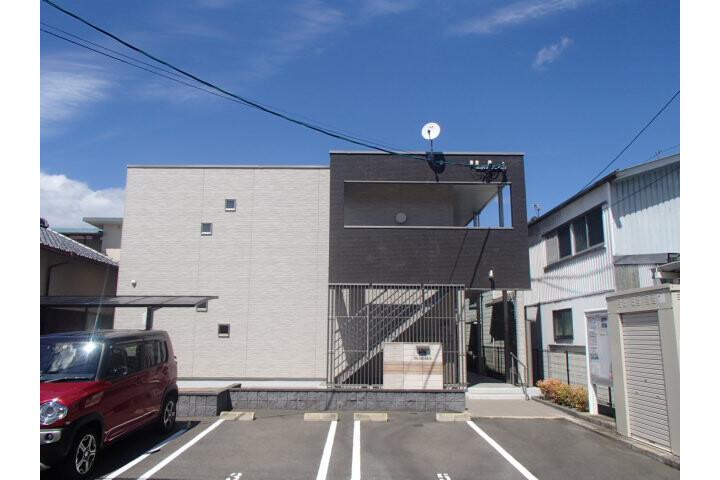 1K Apartment to Rent in Kurume-shi Exterior