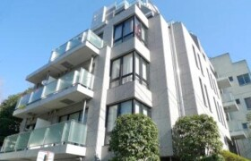 3LDK Mansion in Naitomachi - Shinjuku-ku