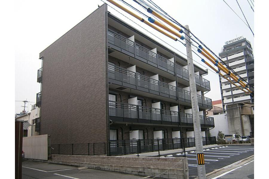 1R Apartment to Rent in Fukuoka-shi Chuo-ku Exterior