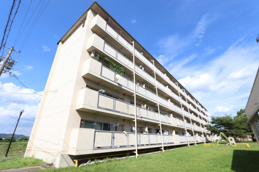 3DK Apartment to Rent in Iga-shi Exterior