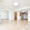 3LDK Apartment to Buy in Osaka-shi Minato-ku Living Room