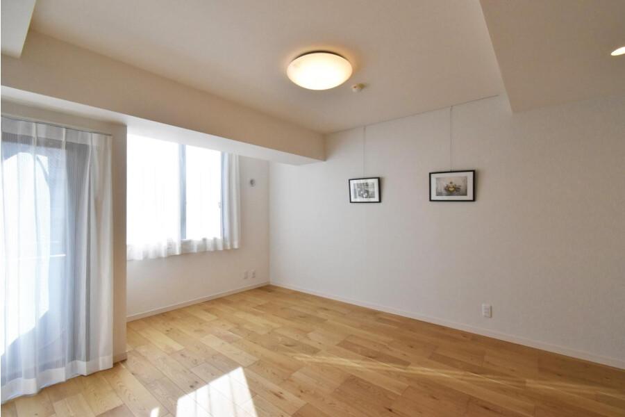 3LDK Apartment to Buy in Yokohama-shi Minami-ku Living Room