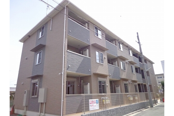 2LDK Apartment to Rent in Takatsuki-shi Exterior