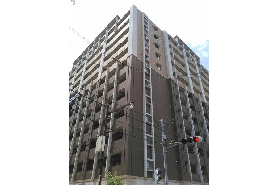 2LDK Apartment to Rent in Osaka-shi Chuo-ku Exterior