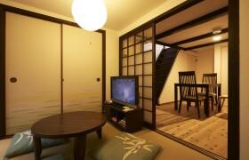 京都市下京区 和泉町 3DK {building type}