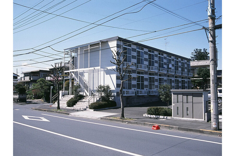 1K Apartment to Rent in Ome-shi Exterior
