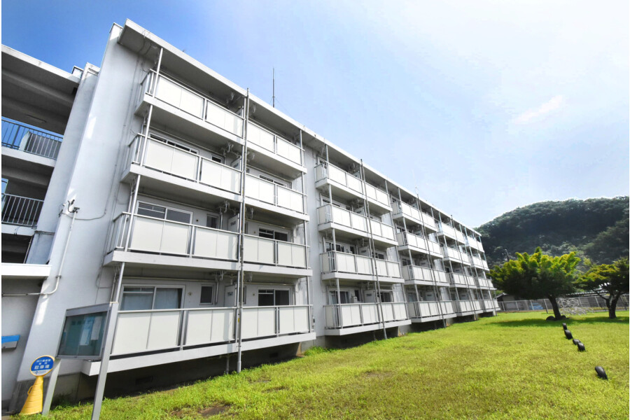 2K Apartment to Rent in Kiryu-shi Exterior