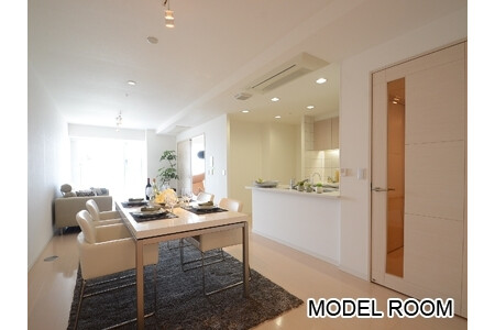2LDK Apartment to Rent in Toshima-ku Living Room