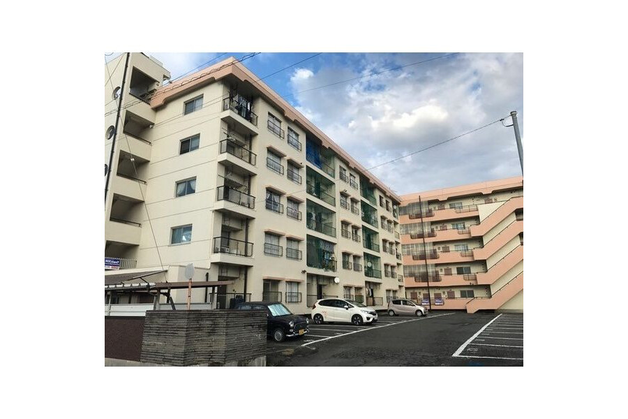 3DK Apartment to Rent in Ama-shi Exterior