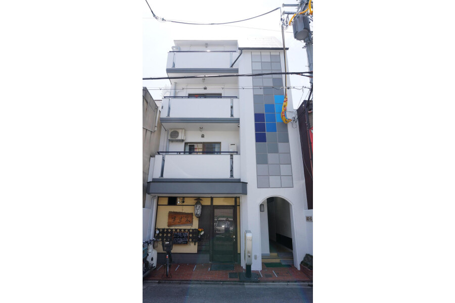 1K Apartment to Rent in Kyoto-shi Shimogyo-ku Exterior