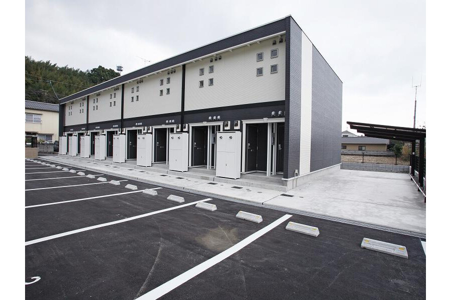 1K Apartment to Rent in Beppu-shi Exterior