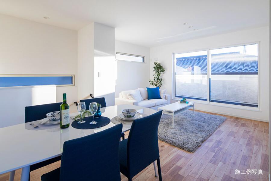 在豊中市購買3LDK 獨棟住宅的房產 起居室