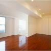 1LDK Apartment to Rent in Minato-ku Living Room