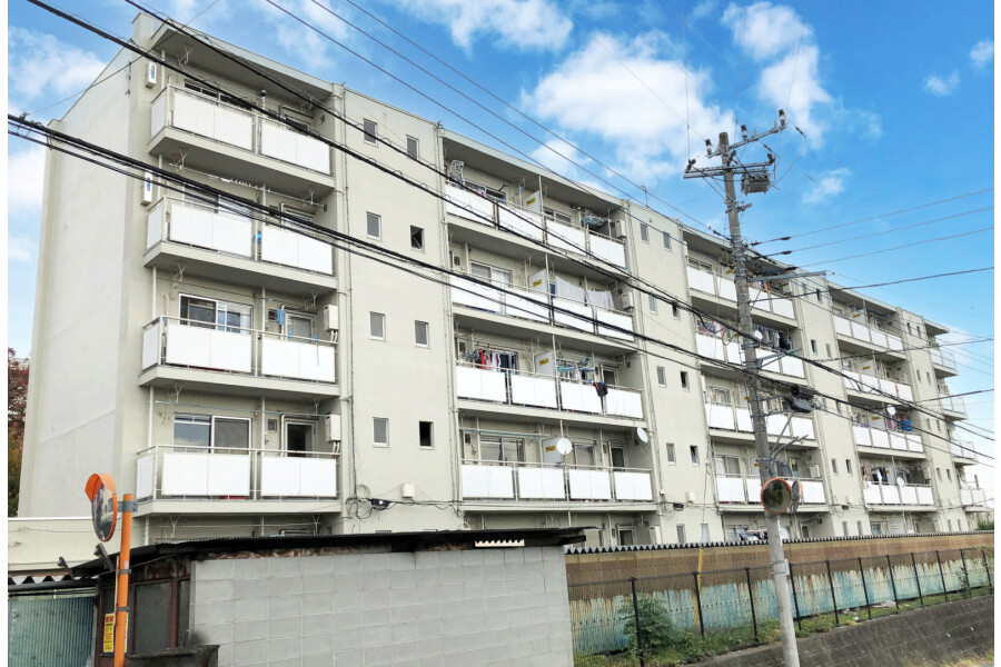 2K Apartment to Rent in Hadano-shi Exterior