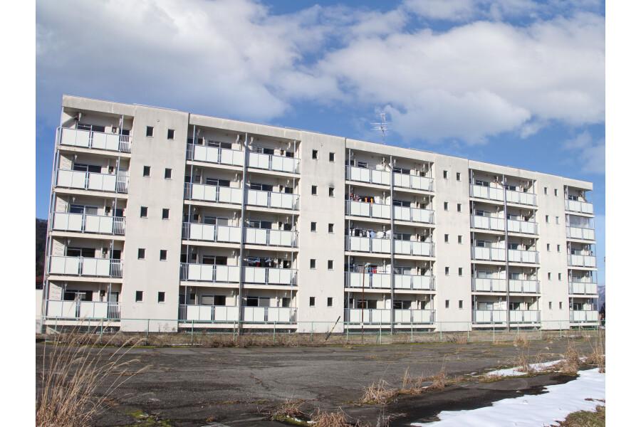 2K Apartment to Rent in Takayama-shi Exterior