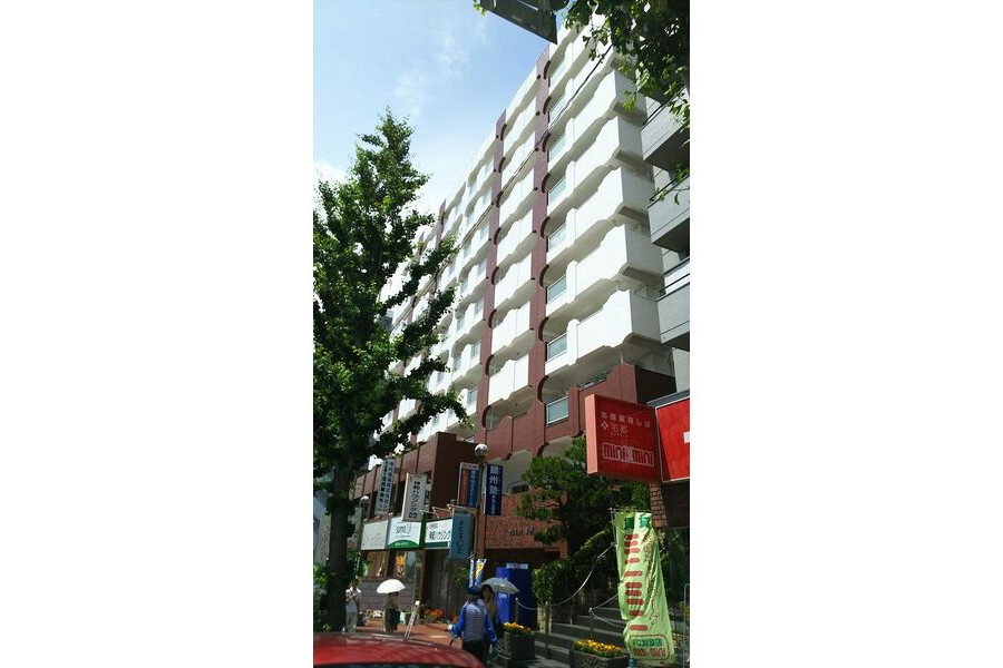 1LDK Apartment to Rent in Toyonaka-shi Exterior