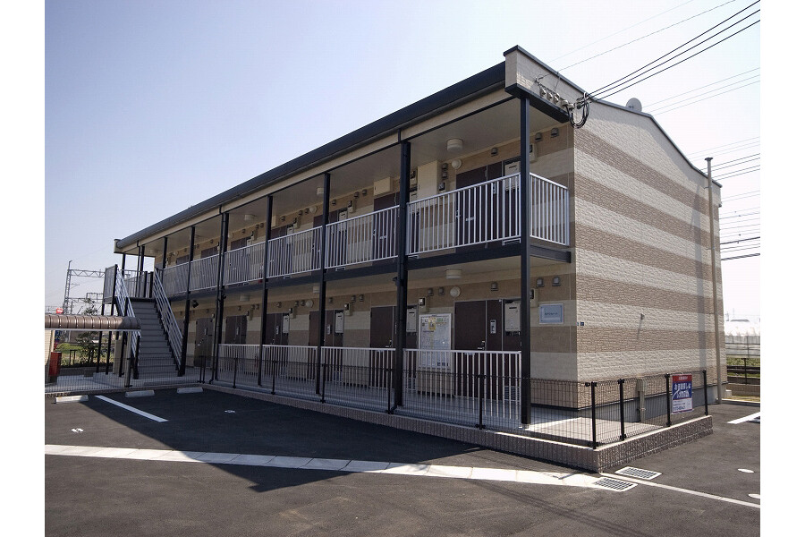 1K Apartment to Rent in Izumisano-shi Exterior