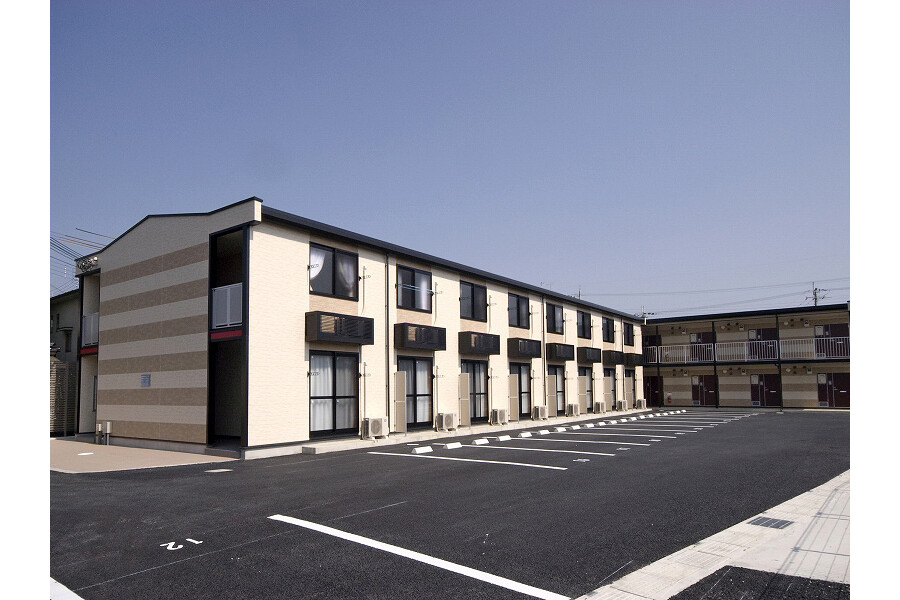 1K Apartment to Rent in Higashiomi-shi Exterior