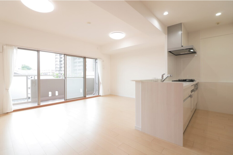 3LDK Apartment to Buy in Suita-shi Living Room