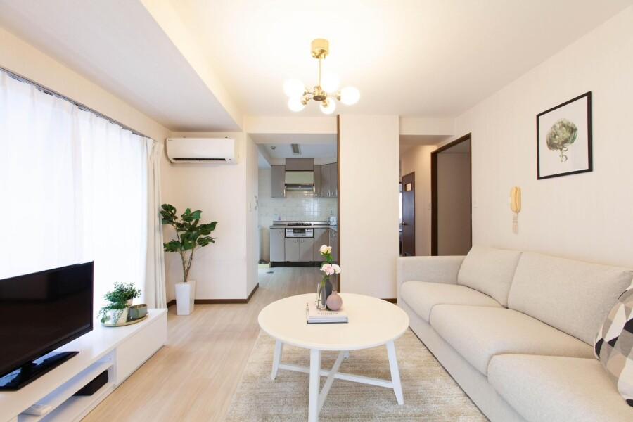 3LDK Apartment to Rent in Taito-ku Living Room