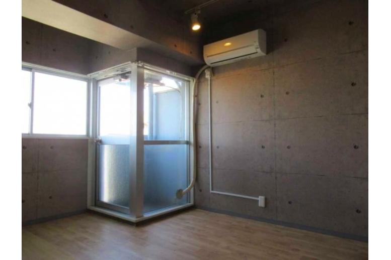 1R Apartment to Buy in Shinjuku-ku Living Room