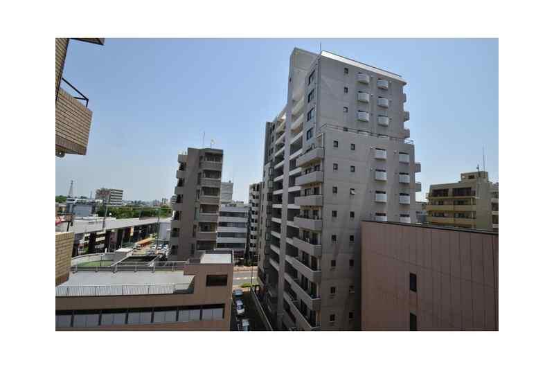 3DK Apartment to Rent in Fuchu-shi Exterior
