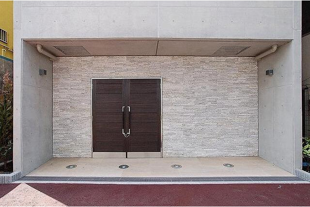 1K Apartment to Rent in Saitama-shi Omiya-ku Entrance Hall