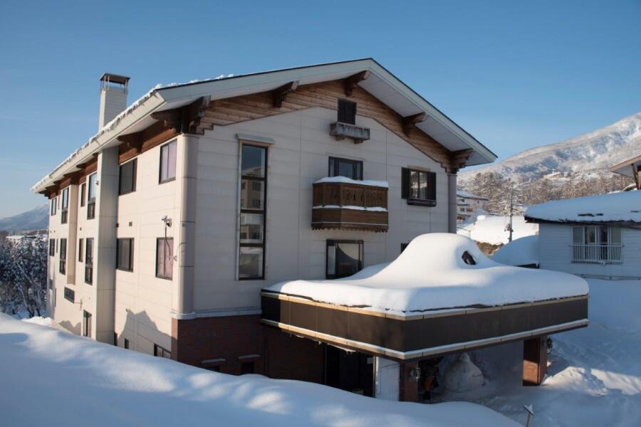 Whole Building Hotel/Ryokan to Buy in Myoko-shi Exterior