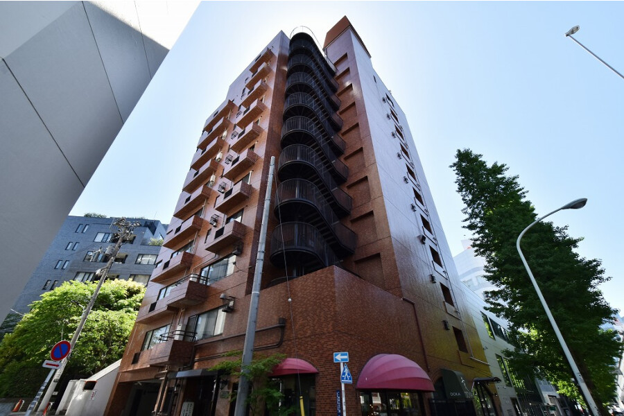 3SLDK Apartment to Buy in Minato-ku Exterior
