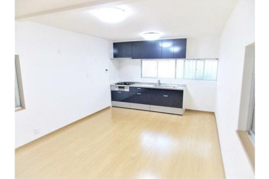 3LDK House to Buy in Higashiosaka-shi Living Room