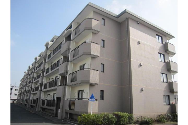 2LDK Apartment to Rent in Niiza-shi Exterior