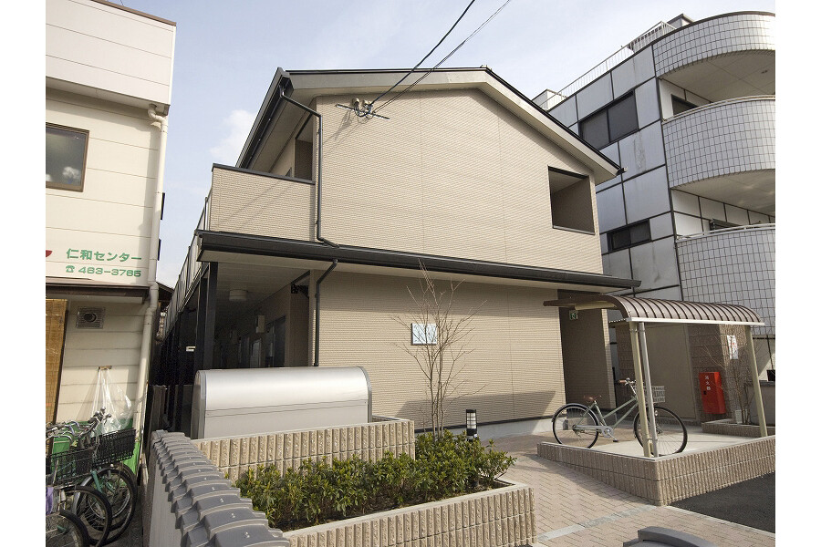 1K Apartment to Rent in Kyoto-shi Kamigyo-ku Exterior